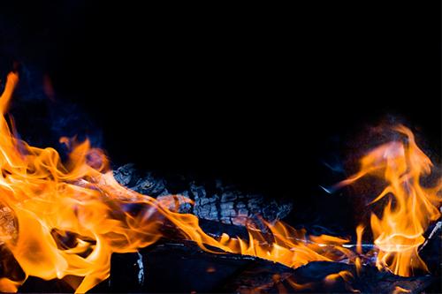 剖切线上娃娃机:一个风口的消散,灭火造富的游戏