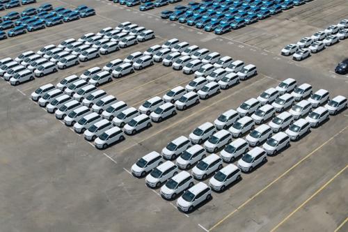 温室里的新能源汽车