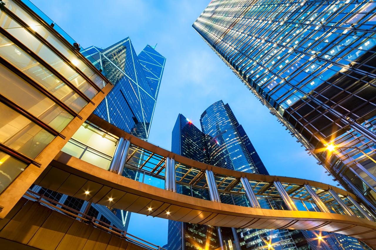 新经济公司成功逆袭,半数写字楼大单花落新经济公司