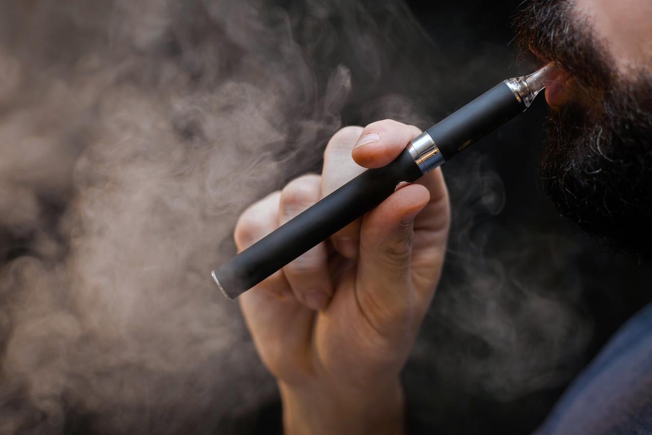 特朗普暂时撤回电子烟禁令,华盛顿邮报:因为担心损害连任前景