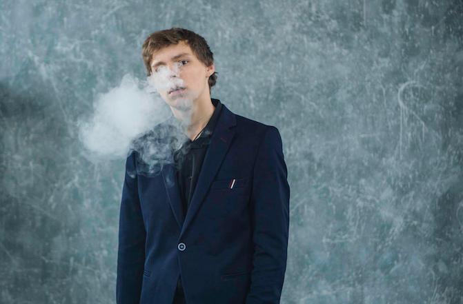遏制青少年吸烟趋势,美国禁售大部分口味电子烟