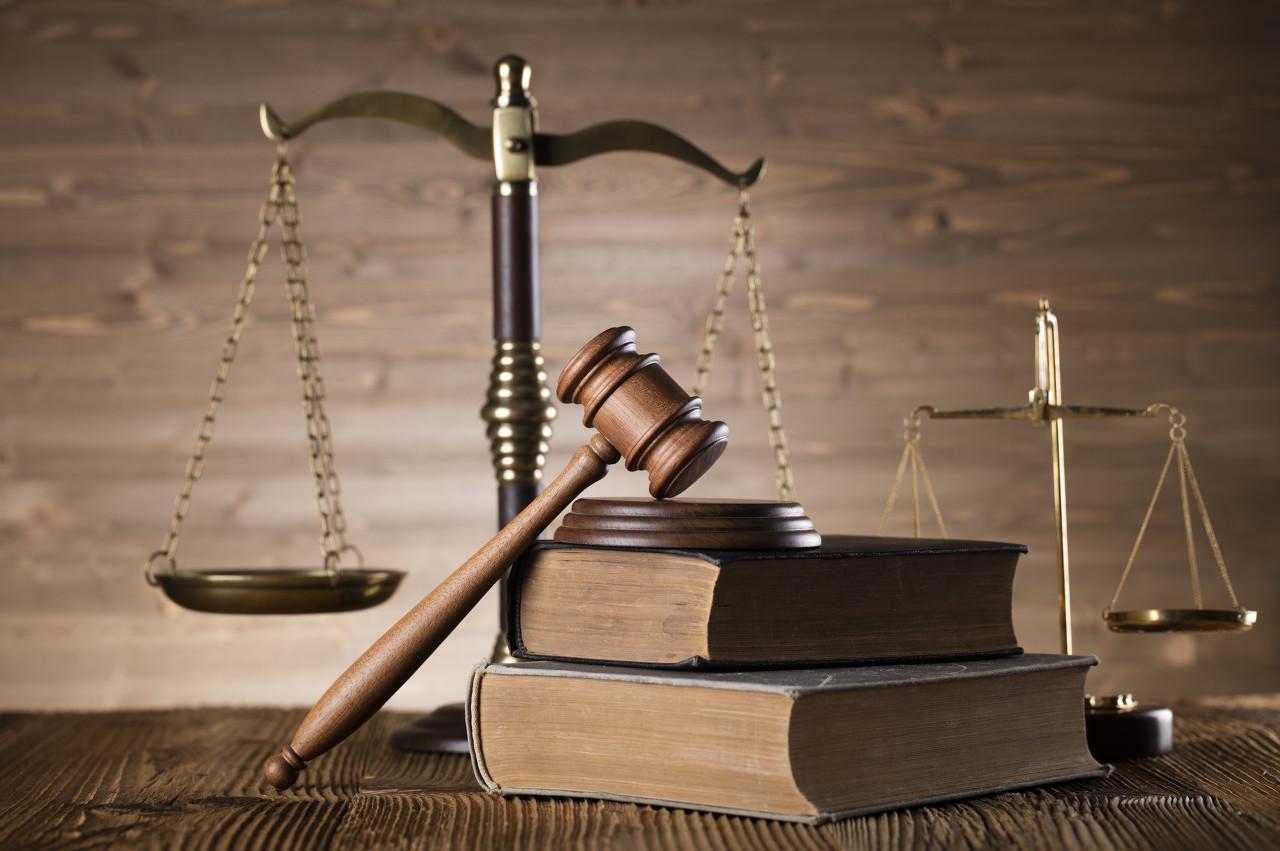 """""""尴尬""""的现场庭审,与互联网司法的""""拯救""""行动"""