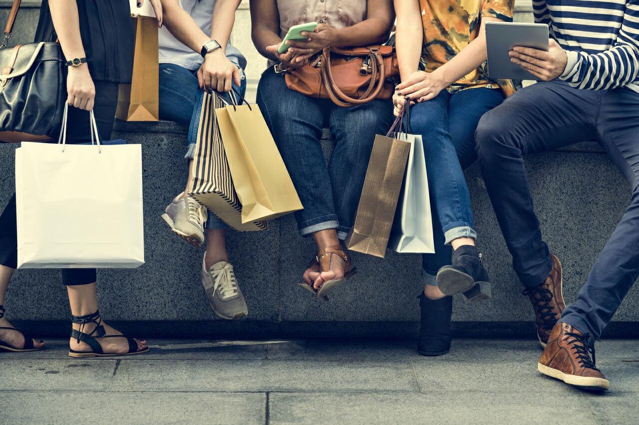 五菱售貨車大賣、上市公司忙蹭熱點 擺地攤背后的經濟學